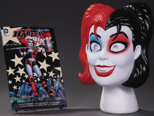 Harley Quinn Book and Mask Set (ING/TP) Comic